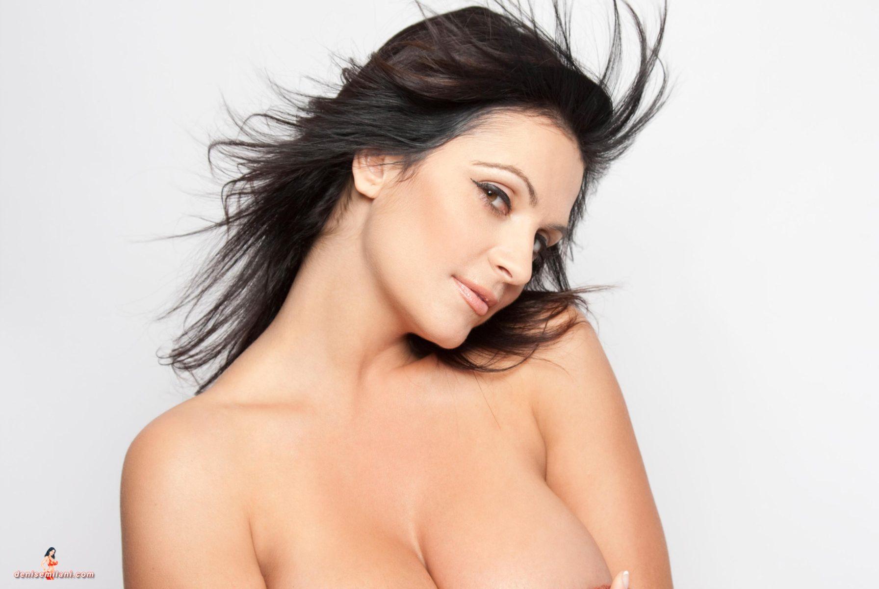 Denise Milani Close Up Pic
