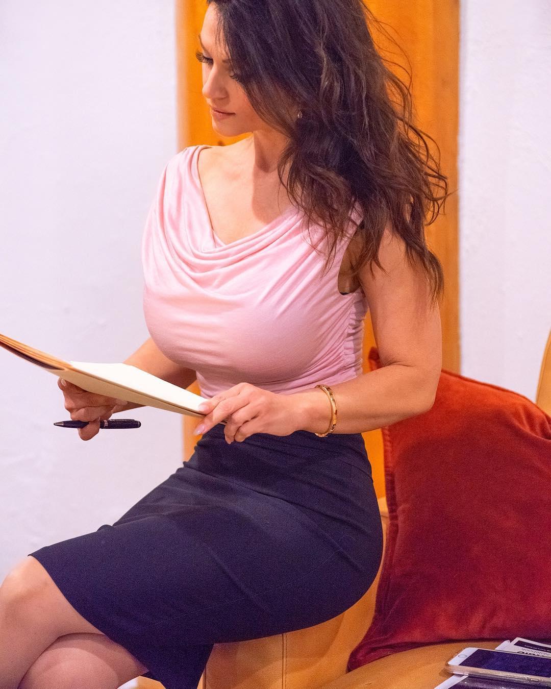 Denise Milani Blouse Pic